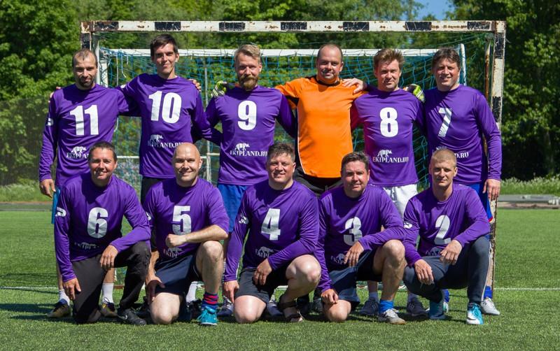команда экипленд футбол